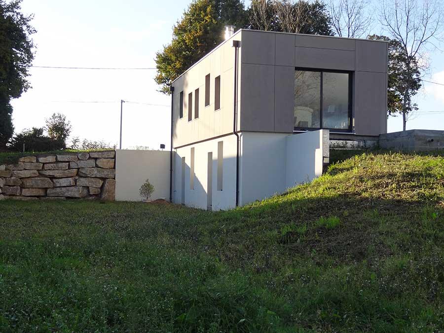 Construction d'une maison à ossature bois comprenant un rez-de-jardin, dans le Morbihan