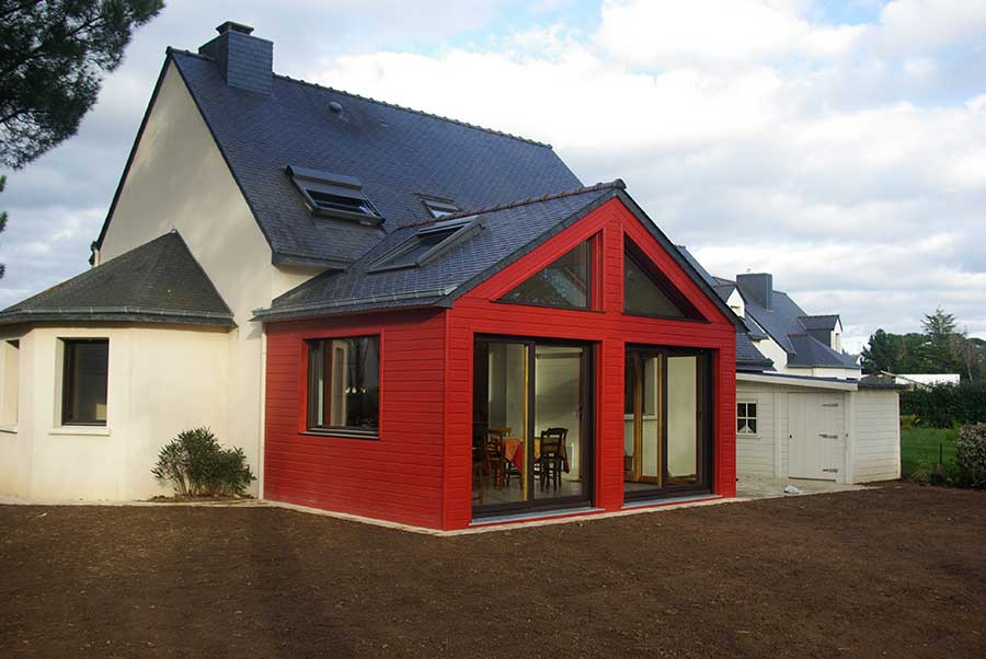 brec 39 h extension ossature bois bardage laqu rouge maison de bois. Black Bedroom Furniture Sets. Home Design Ideas