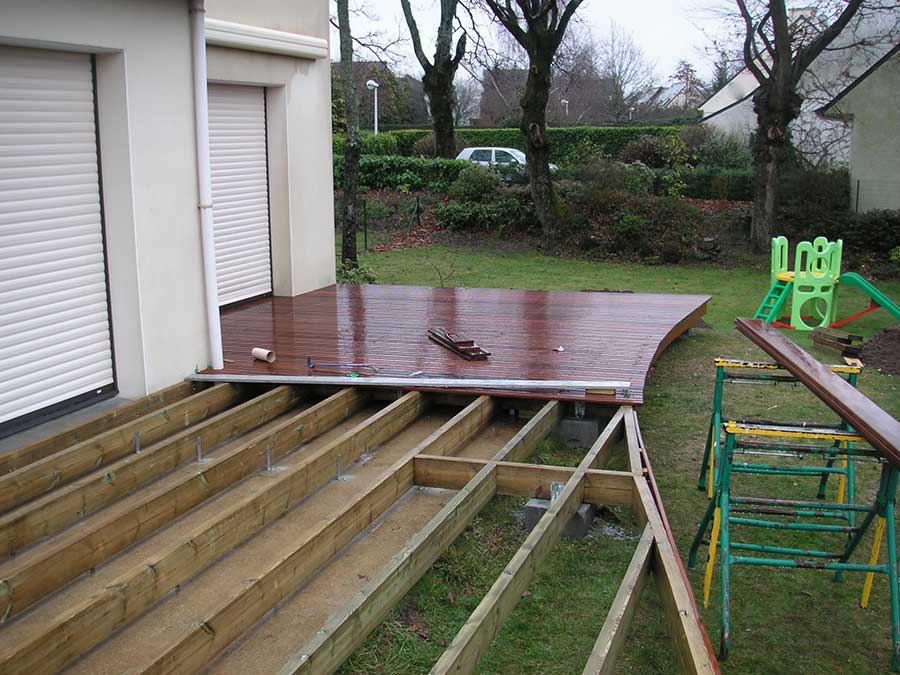 Terrasse en construction dans le Morbihan