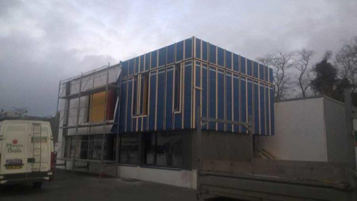 Travaux d'isolation extérieur en cours de réalisation dans le Morbihan